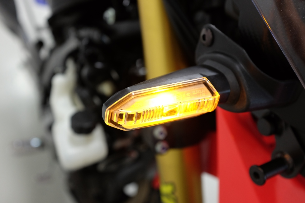 Honda CRF 250 Rally front indicators are allways on